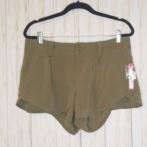 Alice+Olivia Butterfly Shorts in Army Green